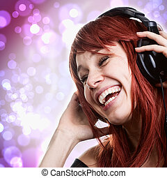 kvinde, hovedtelefoner, musik, morskab, har, glade