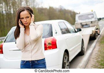 kvinde, tov, hende, automobilen, oppe, benævne, mens, lastbil, picking