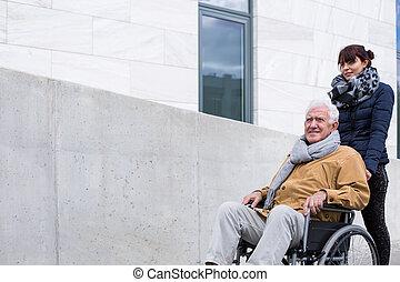 kvinde, understøtte, hende, disabled, far