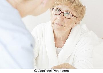 kvinna, äldre, trist