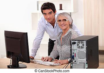 kvinna, äldre, ung, dator, användande, man