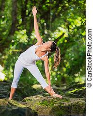 kvinna, öva, yoga, in, natur