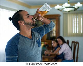 kvinna, alkoholist, barn, desperat, samkvämet utfärdar, man