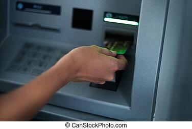 kvinna, användande, bankrörelse maskin