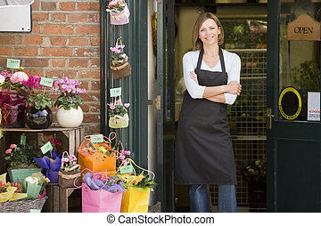 kvinna, arbeta vid, blomsterhandel, le