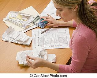 kvinna, betalning nota