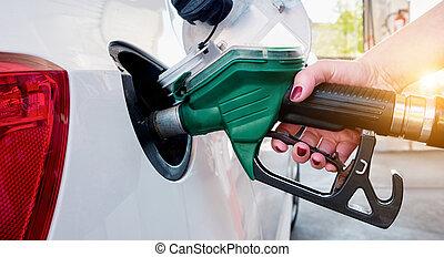 kvinna, bil, oil., gas, pumpa, bensin, station., påfyllning