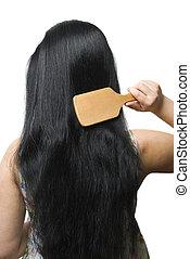 kvinna, borstning, henne, svart, långt hår