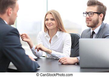 kvinna, chef, meddelar, med, den, klient