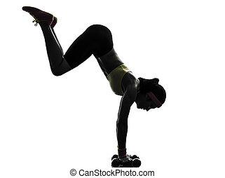 kvinna, exercerande, fitness, genomkörare, handstående, silhuett