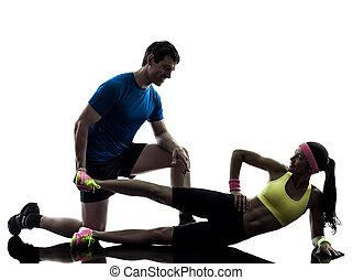 kvinna, exercerande, fitness, genomkörare, med, man, kaross, silhuett