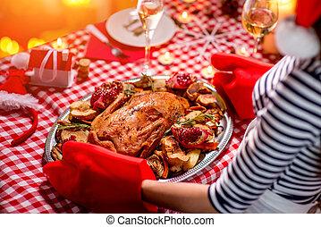 kvinna, förbereda jul, middag