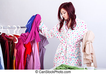 kvinna, försökande, kläder