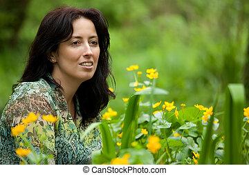 kvinna, framställ, in, blomningen