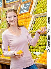 kvinna, frukt, välja