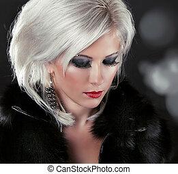 kvinna, göra, formgivning, uppe, hår, blond