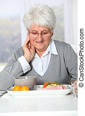 kvinna, gammal, sjukvård, middag, ha, klar, hem