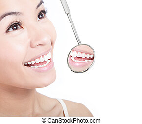 kvinna, hälsosam, spegel, tandläkare, mun, tänder