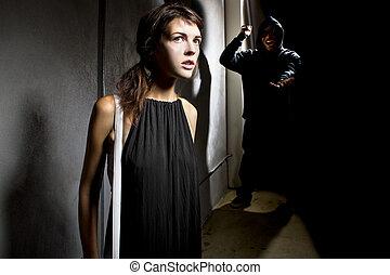 kvinna, i fara, hos, a, mörk, gränd