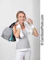 kvinna, in, fitness, kläder