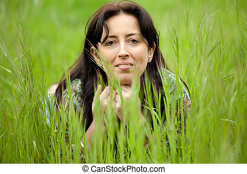 kvinna, in, gräs