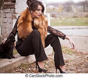 kvinna, in, mode, kläder, och, katt