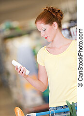 kvinna, inköp, serie,  -,  shampoo, hår, holdingen, röd