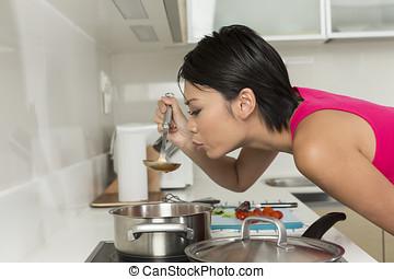 kvinna, kinesisk, henne, ung, mat., twenties, förberedande