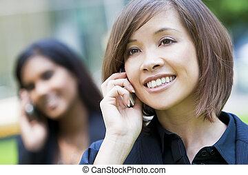 kvinna, mobiltelefon, kinesisk, henne, vacker