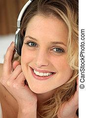 kvinna, musik, ung, lyssnande
