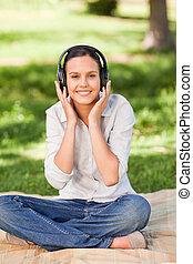 kvinna, musik, ung, lyssnande, lycklig