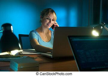 kvinna, natt, arbete, mobil, designer, ringa, sent, inre