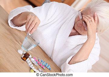 kvinna, olika, mediciner, äldre