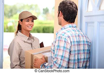 kvinna, packe, leverera