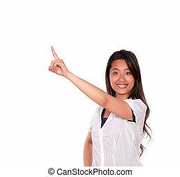 kvinna pekande, ung, uppe, se, dig, le