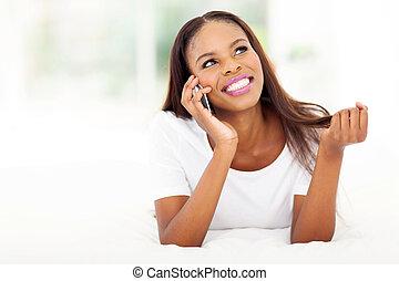 kvinna prata, ung, mobiltelefon, afrikansk