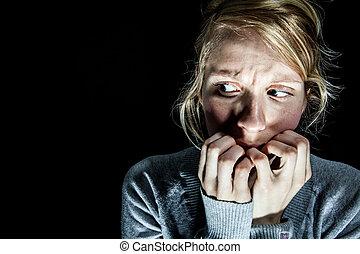kvinna, räddt, av, något, i skumma