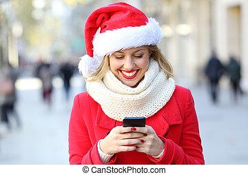 kvinna, ringa, gata, användande, jul, smart