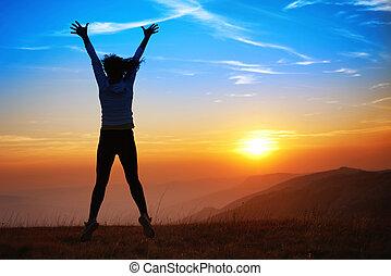 kvinna, silhuett, ung, hoppning, lycklig