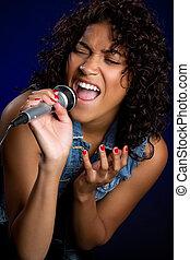 kvinna, sjungande
