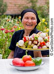 kvinna, skratta, äldre