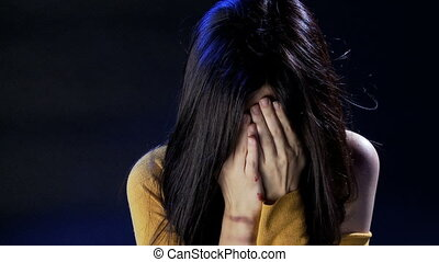 kvinna, slagen, grät