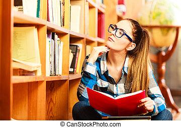 kvinna, student, in, högskola, bibliotek