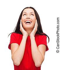 kvinna, ung, förvåna, klänning, röd, skratta