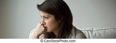 kvinna, ung, trist