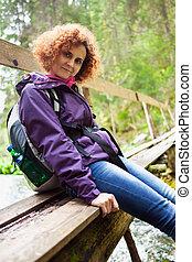 kvinna, vandrare, med, ryggsäck