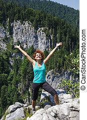 kvinna, vandrare, på, den, bergstopp