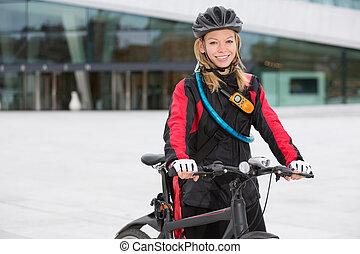 kvinnlig, cykel budbärare
