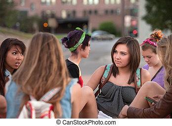 kvinnlig, deltagare, talande, utanför