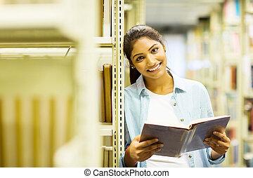 kvinnlig, högskola studerande, in, bibliotek